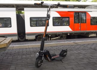 Airwheel-smart-electric-scooter