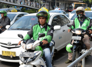 Go-Jek Chief Executive Officer Nadiem Makariem Portraits And Operations In Jakarta